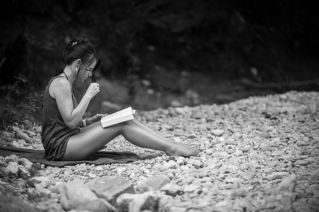 Date a Girl Who Doesn't Read